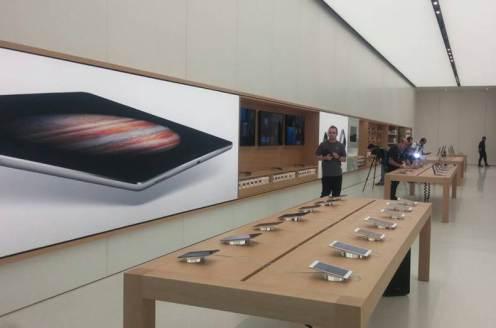 بزرگترین اپل استور در دنیا